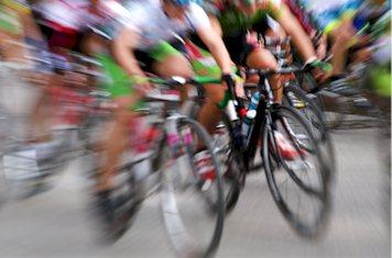 Wie groß ist die Steigung der Straße für die Fahrradfahrer?